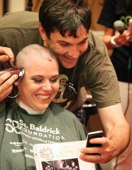 Shawna-Weber-shaving